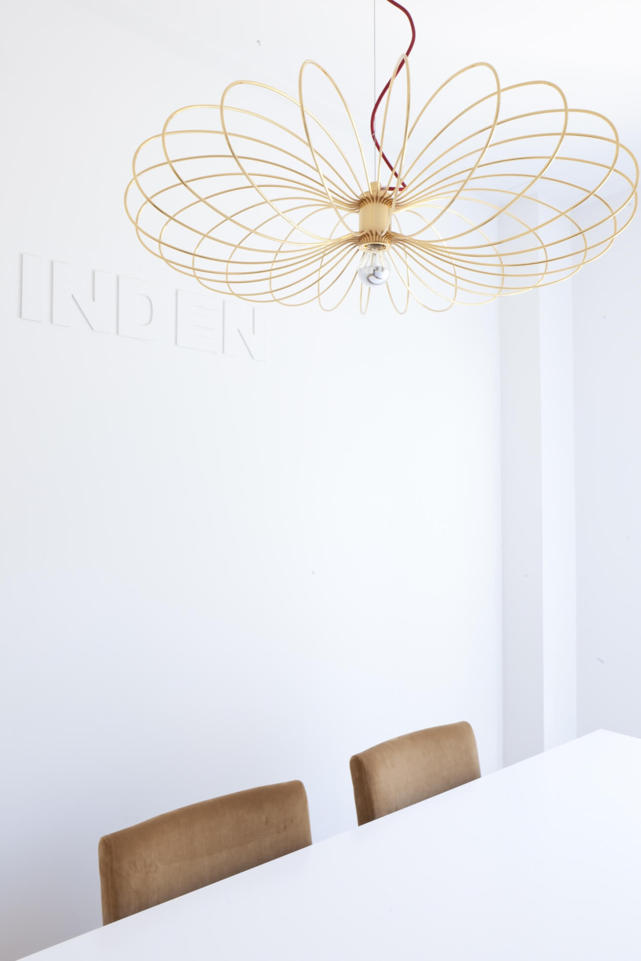 Flying Spider ontworpen door Autoban en geproduceerd door De La Espada toegepast in project van Blue Fabric