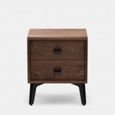 McQueen Bedside Chest door Matthew Hilton in walnotenhout