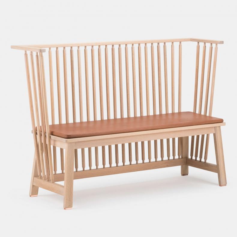 451 Two Seater Low Settle van Studioilse via Suite Wood