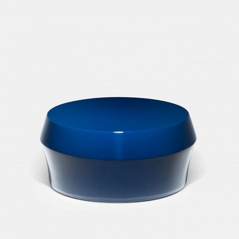 Zhuzi Table door Neri&Hu blauw gelakt