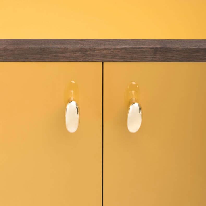 Classon Sideboard door Jason Miller in zwart geolied walnotenhout met high gloss ochre geschilderd HDF