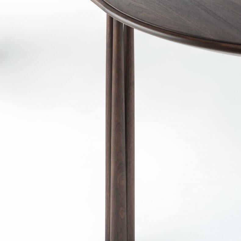 Elliot Oblong Table door Jason Miller in zwart geolied walnotenhout