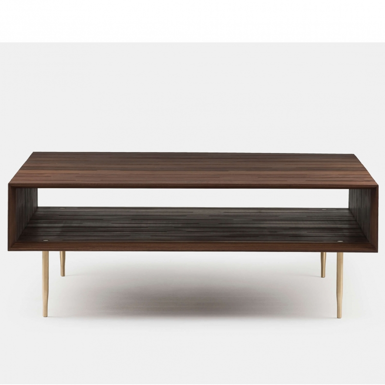 381L Horizon Large Coffee Table door Matthew Hilton in walnotenhout