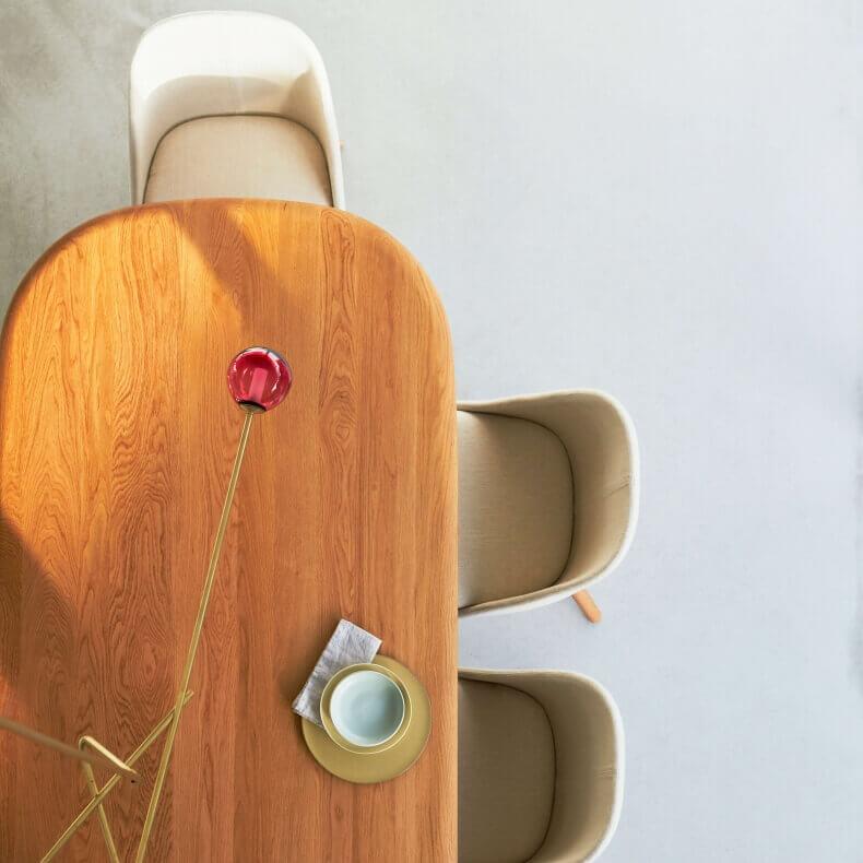 Solo Oblong Table, Solo Dining Chair en Lattice Light door Neri&Hu