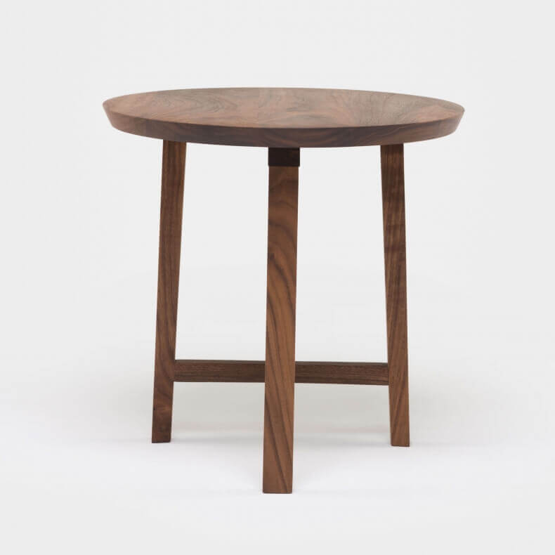 Trio Side Table door Neri & Hu in walnotenhout