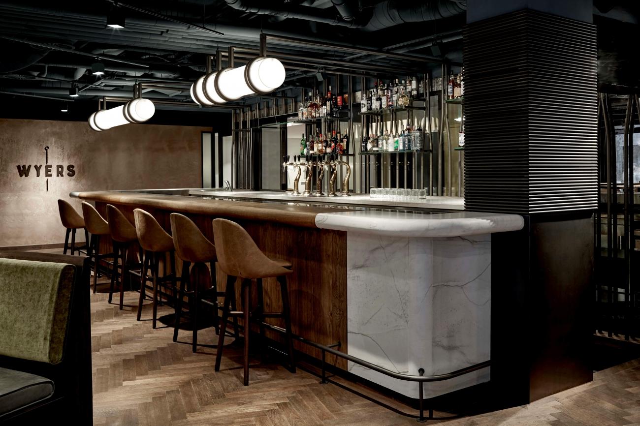 Restaurant Wyers in Kimpton de Witt Hotel in Amsterdam door Studio Modijefsky