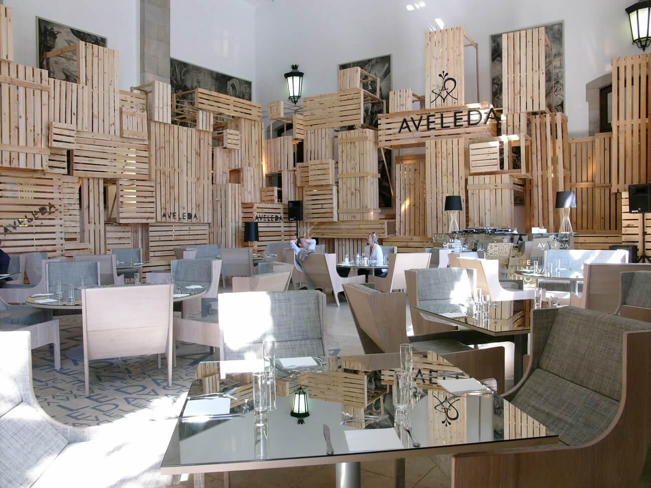 Bergere ontworpen door Autoban en geproduceerd door De La Espada in Aveleda project