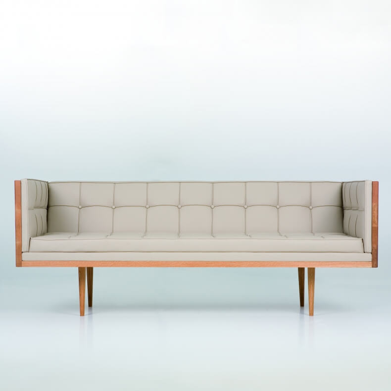 Box Sofa in oak and dune leather