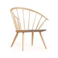 Burnham Windsor Chair door Matthew Hilton in essenhout en walnotenhout