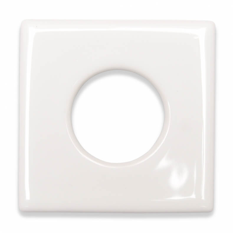 Single ceramic outlet cover in different colors by Suit'd Suits