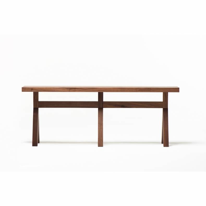Commune Bench door Neri & Hu voor De La Espada via Suite Wood