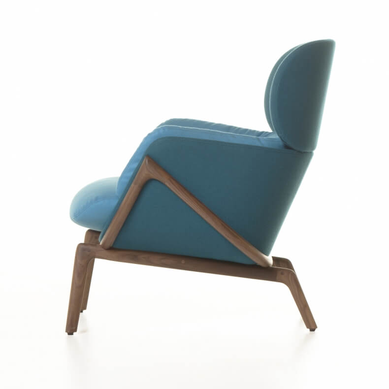 Elysia Lounge Chair door Luca Nichetto in walnotenhout