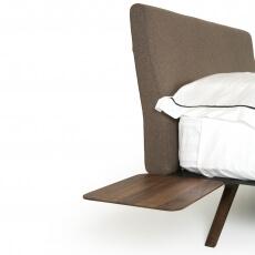 Hepburn Side Table door Matthew Hilton in walnotenhout - Suite Wood