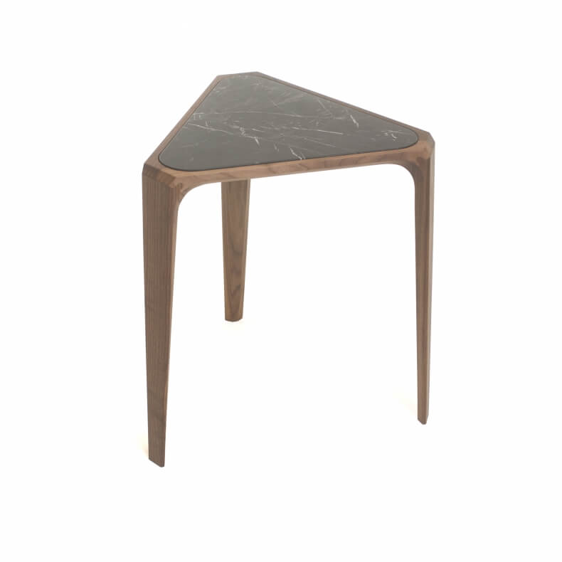 Mary's Side Table door Matthew Hilton in walnotenhout en zwart Negro Marquina marmer