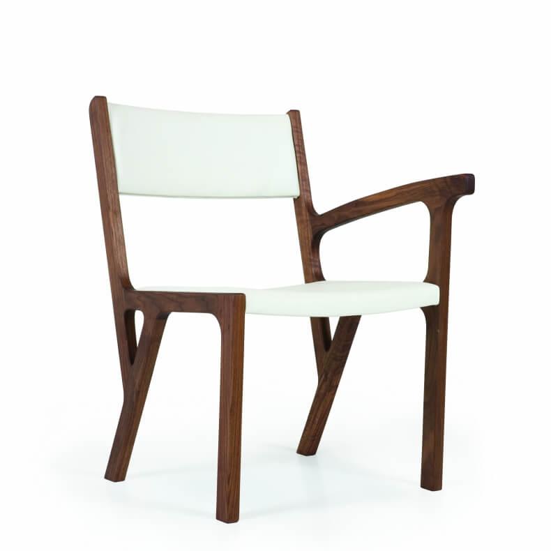 One Armed Chair door Autoban in walnotenhout en leer
