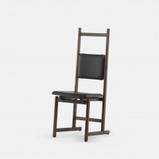 Shaker Dining Chair - Upholstered Seat door Neri & Hu in bruin gebeitst essenhout en leer
