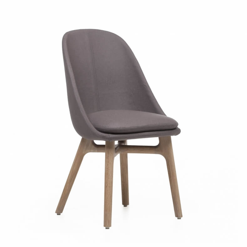 Solo Dining Chair door Neri&Hu in eikenhout