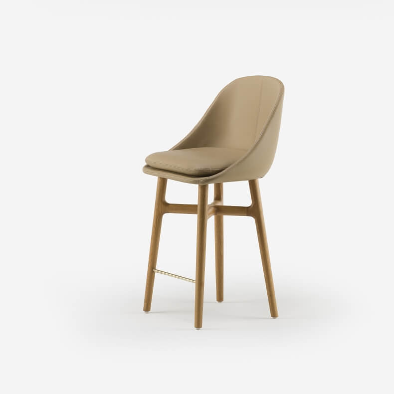 Solo Wide Breakfast Bar Stool door Neri&Hu in eikenhout en leer