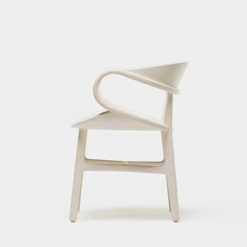 Vivien Dining Chair door Luca Nichetto in  warm grijs gebeitst essenhout